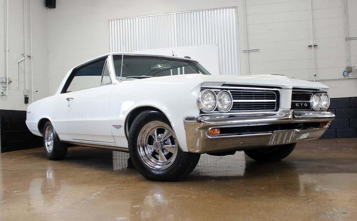 1964 Pontiac GTO - Muscle Car Facts